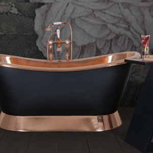 Bateau painted copper bath by Hurlingham